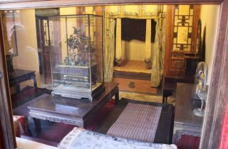 Bed chamber for one of the concubines